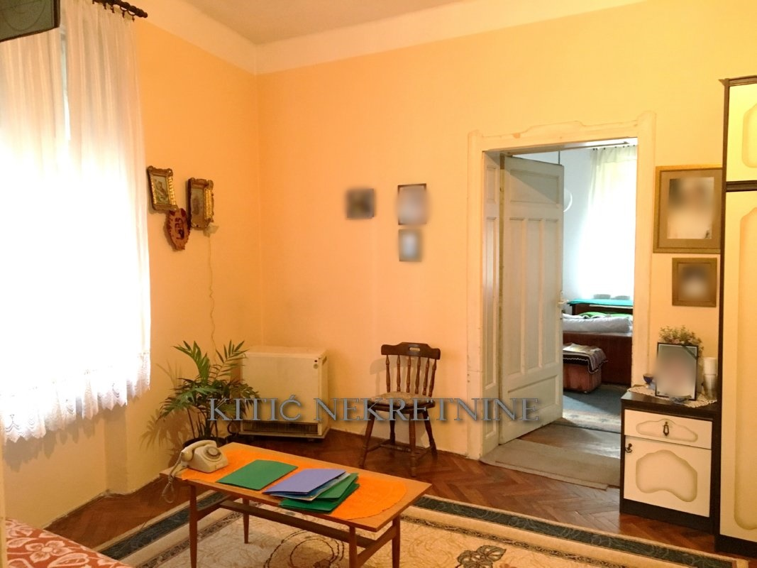 STROGI CENTAR – Hotel Ambasador [655]
